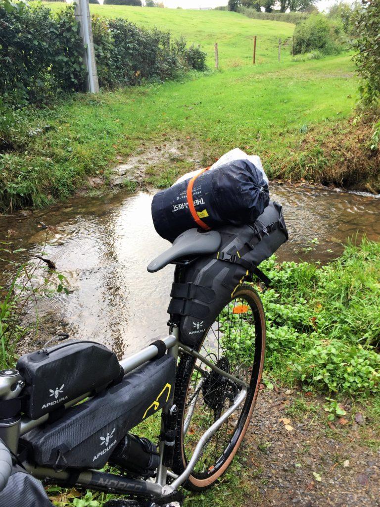 Gravel Bike nach Bachquerung