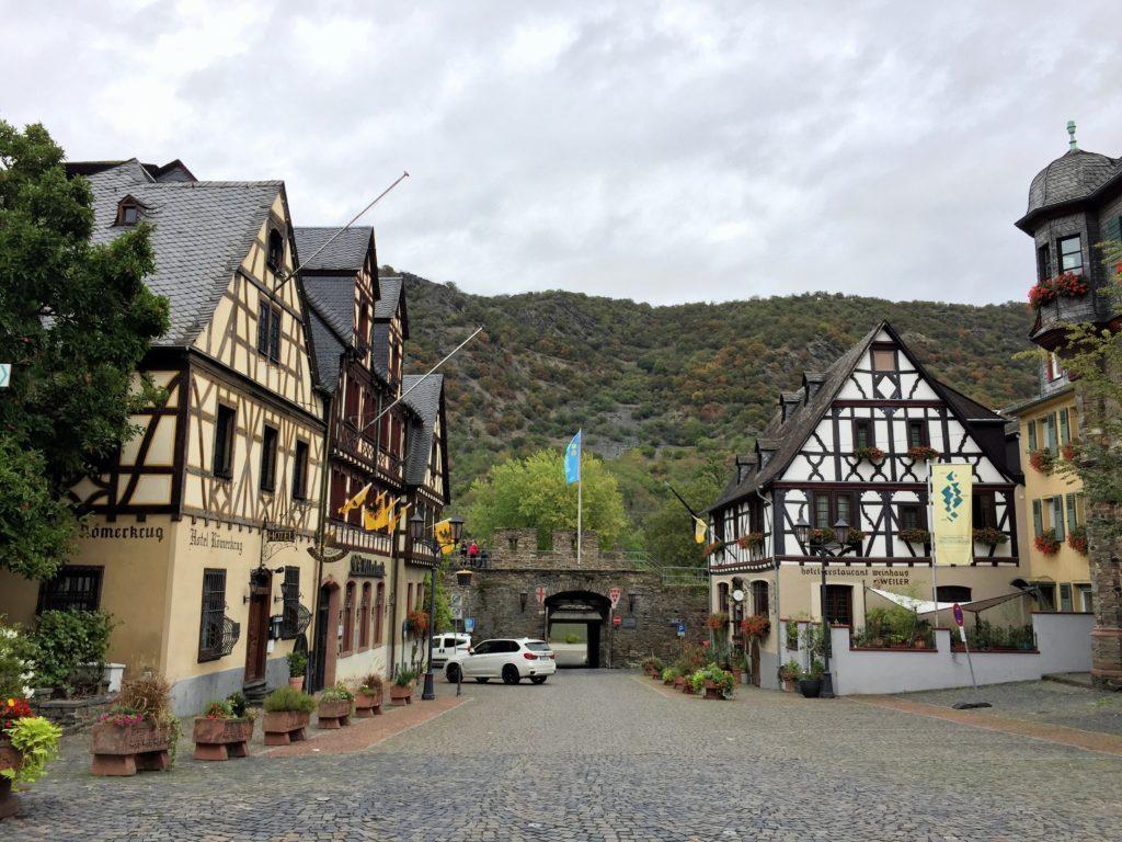 Fachwerkhäuser am Rheinufer