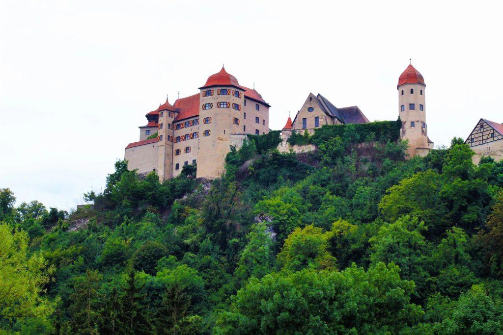 Burg Harburg vom Wörnitztal