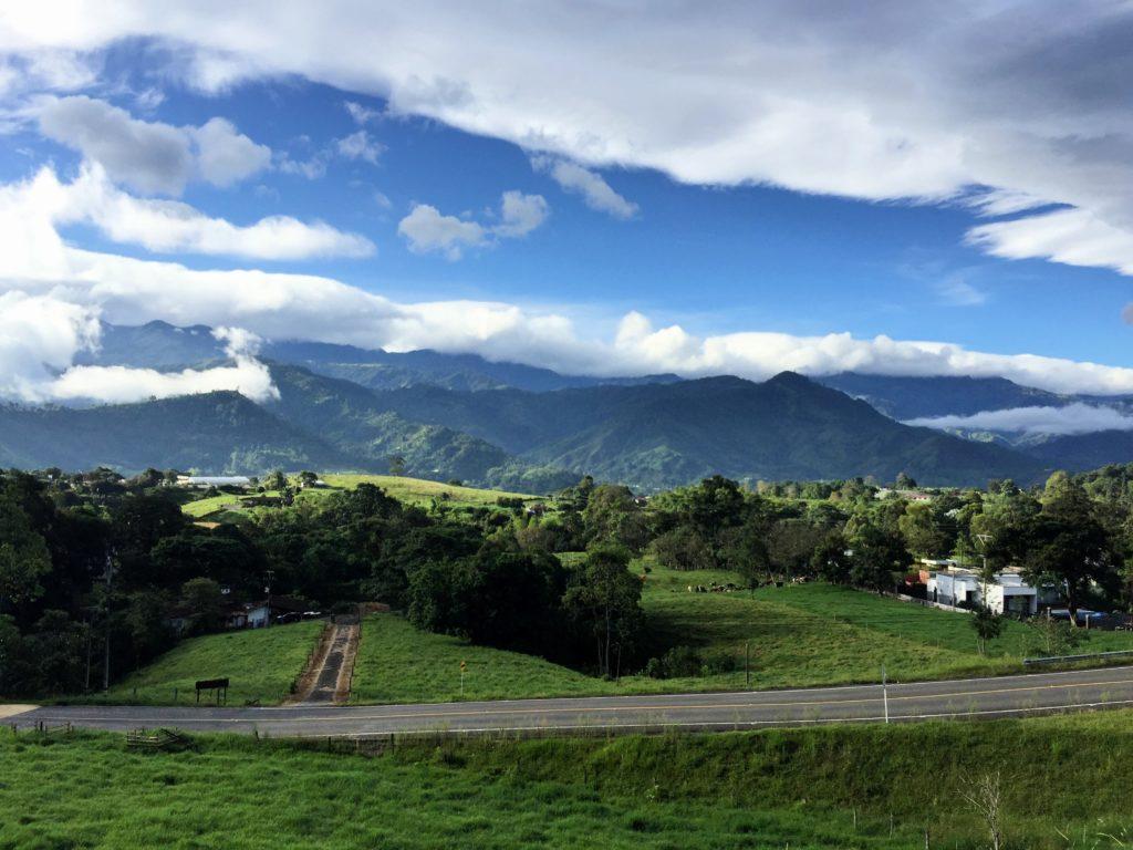 Kolumbianisches Andenbegirge in Zona Cafetera