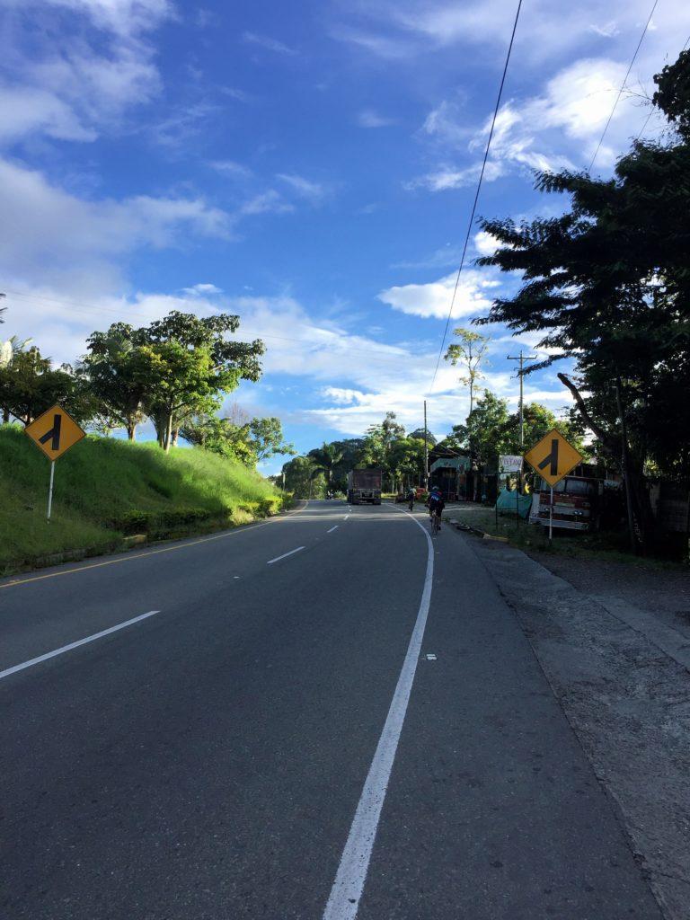 Rennrad fahren auf Kolumbiens Straßen