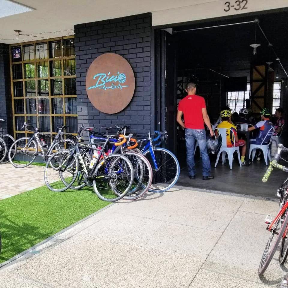 Kaffee und Fahrrad im Bicio Trainingszentrum