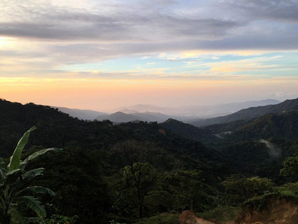 Sonnenuntergang mit Blick auf Karibikküste