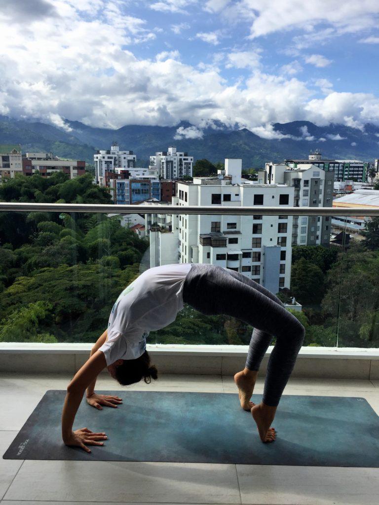 Yoga während Quarantäne in Kolumbien