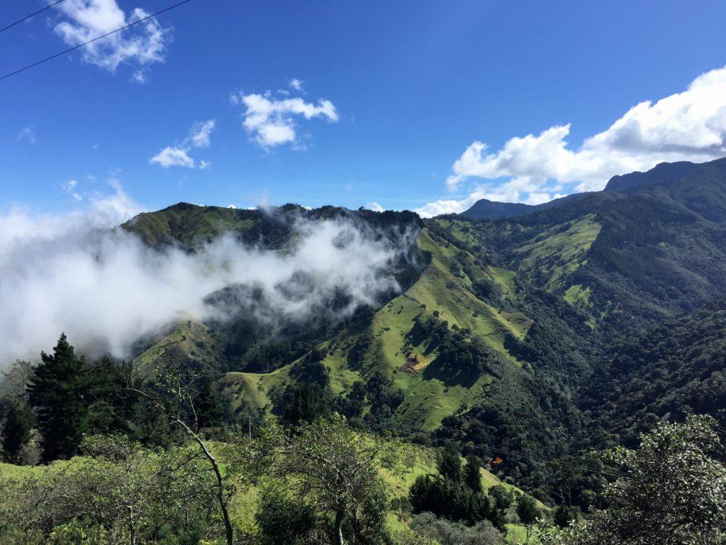La Linea und mysthisches Andengebirge