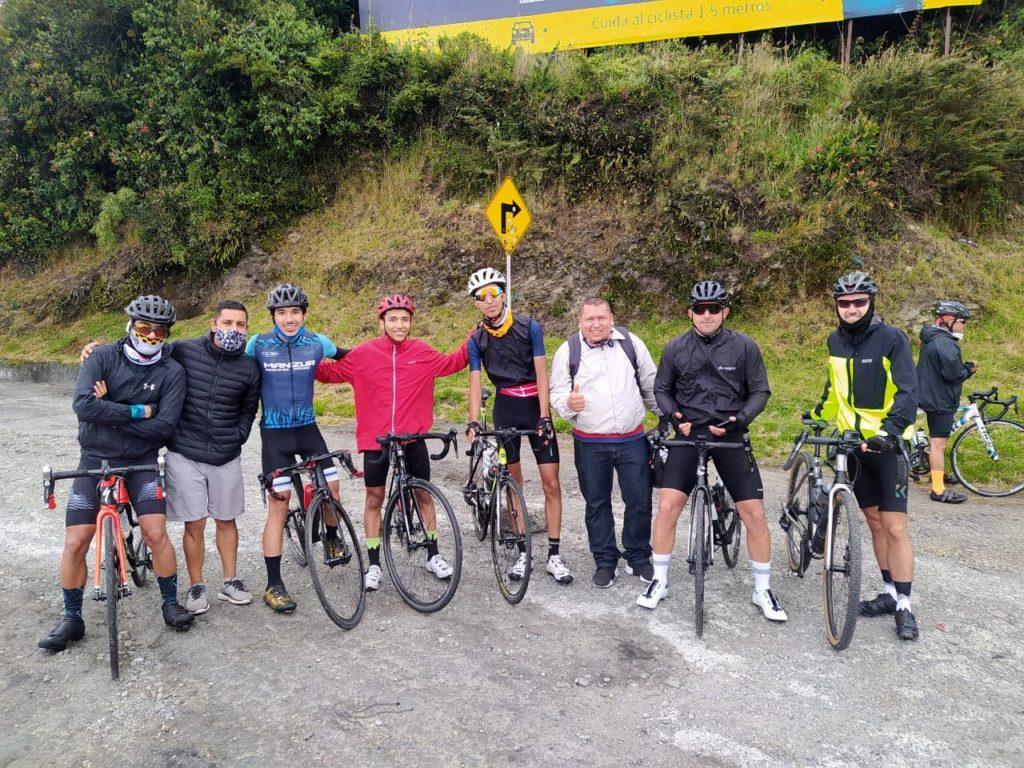 La Linea Gipfelfoto mit BICIO Radgruppe